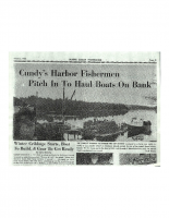 Cundy's Harbor Fishermen Pitch In To Haul boats On Bank (2)